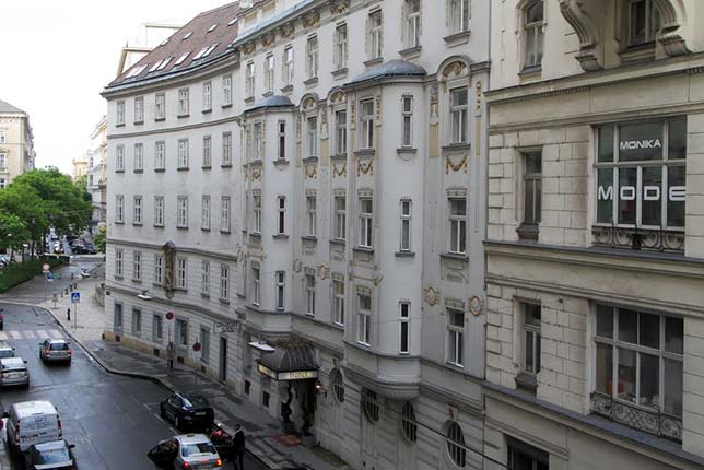 Венский отель Orient