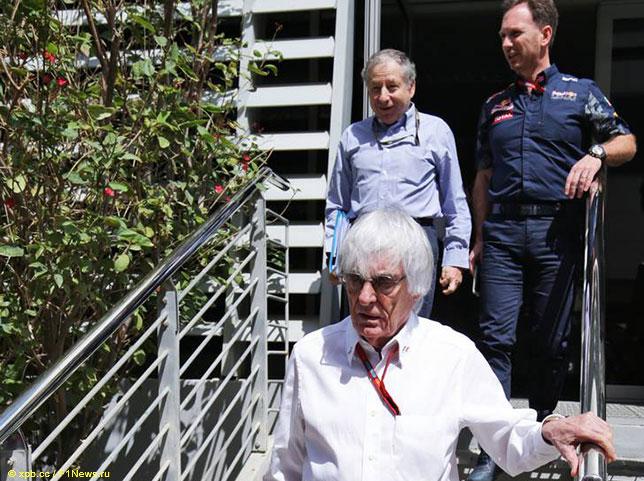 Кристиан Хорнер, Жан Тодт и Берни Экклстоун после совещания в Бахрейне