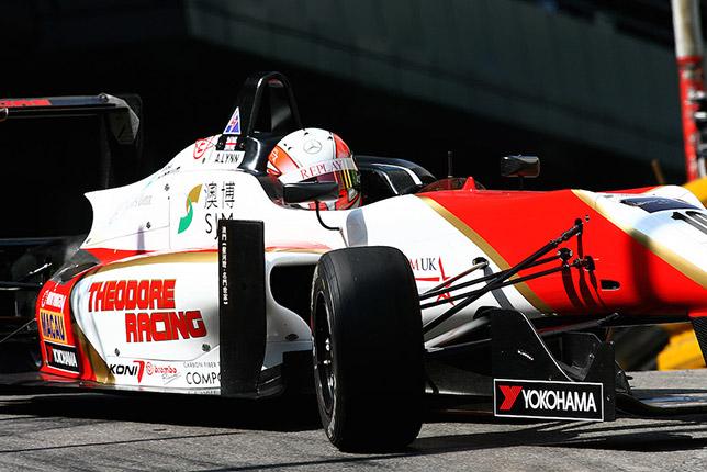 Алекс Линн на Гран При Макао за рулём машины Theodore Racing