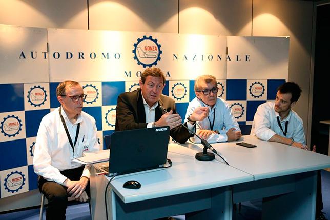 Жерар Невё и Хайме Альгерсуари-старший на пресс-конференции в Монце
