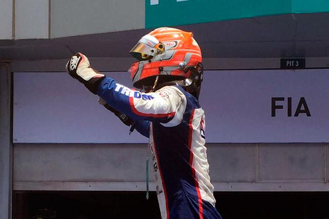 Лука Гиотто празднует победу в Малайзии