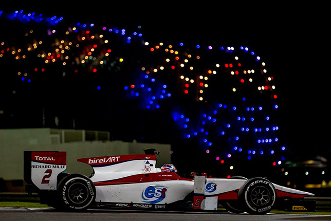 Александер Элбон на тестах в Абу-Даби