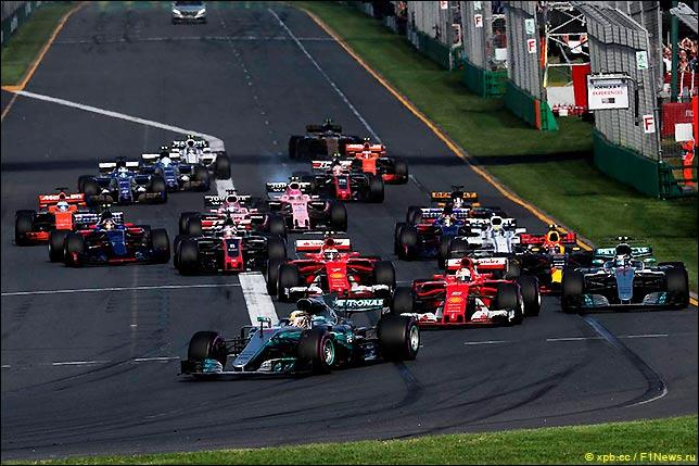 Старт Гран При Австралии 2017