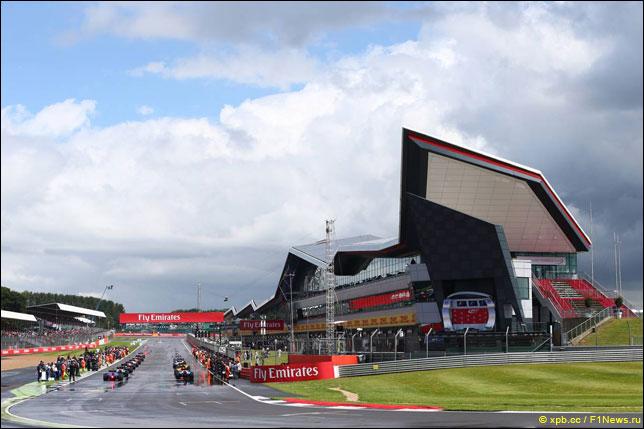 Подготовка к старту прошлогоднего Гран При Великобритании