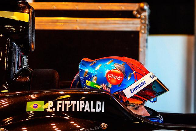 Пьетро Фиттипальди в машине Lotus Формулы V8 3.5