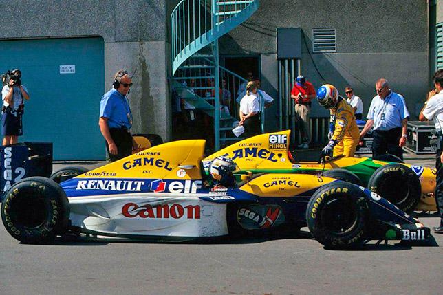 Ален Прост и Михаэль Шумахер после финиша Гран При Канады 1993 года