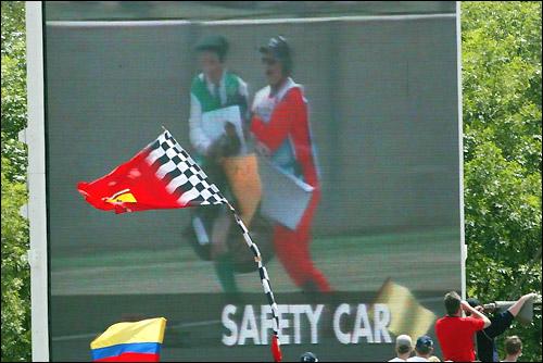 Происшествие на Гран При Великобритании'03