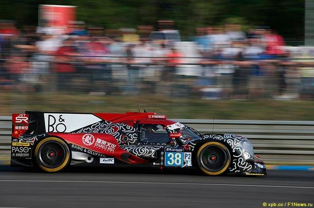 Лидирующий экипаж Jackie Chan DC Racing категории LMP2