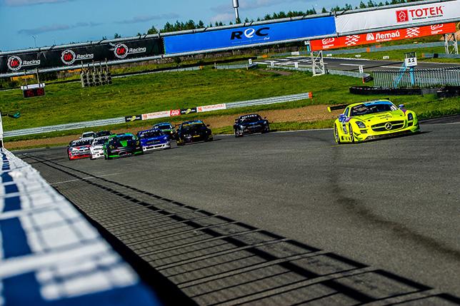 Один из эпизодов гонки REC на трассе KazanRIng