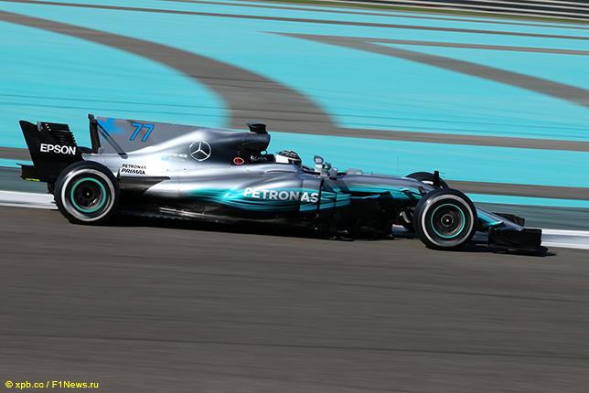 Валттери Боттас за рулём Mercedes на тестах в Абу-Даби
