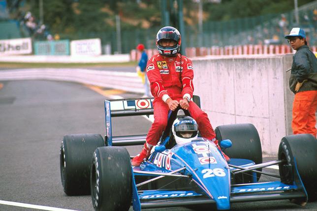 Стефан Йохансон (Ligier) подвозит Герхарда Бергера на Гран При Бельгии 1988 года