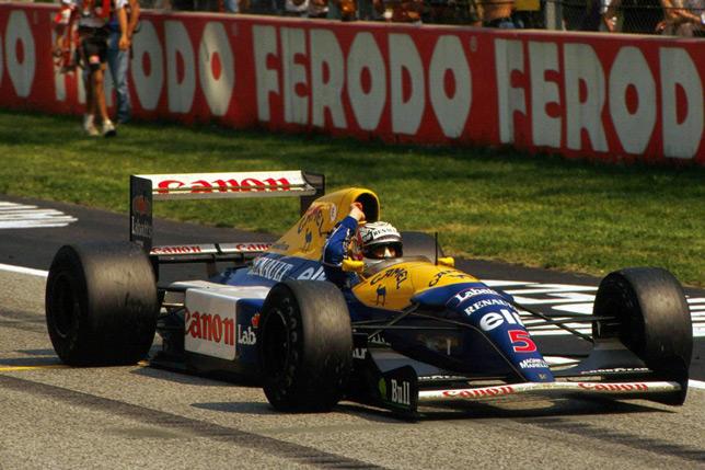 Найджел Мэнселл выигрывает Гран При Сан-Марино 1992 года. Фото Williams