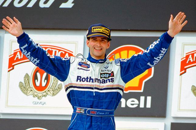 Деймон Хилл на подиуме Гран При Бразилии 1996 года