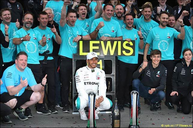 В Mercedes отмечают победу