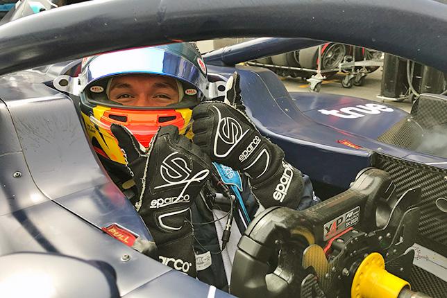 Ф2: Александер Элбон завоевал поул в Баку