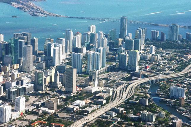 Панорама Майами (фотография с сайта теле- радиокомпании Южной Флориды WLRN)