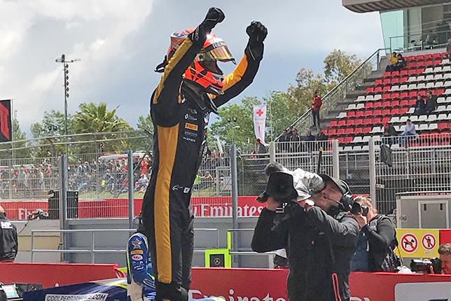 Ф2: Эйткен выиграл воскресный спринт в Барселоне