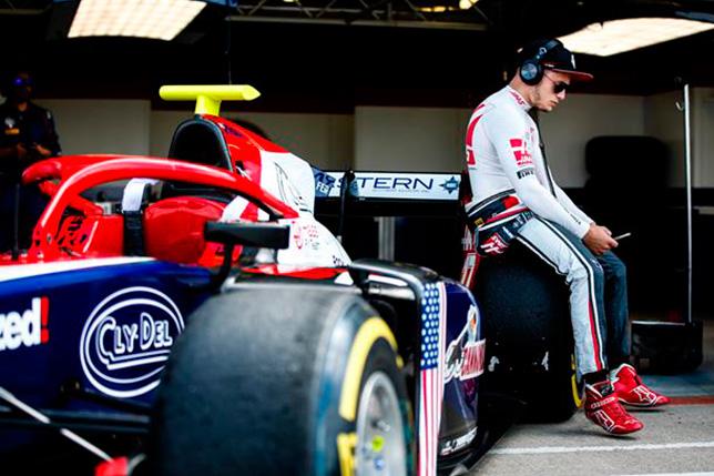 Ф2: Сантино Ферруччи отстранён от гонок