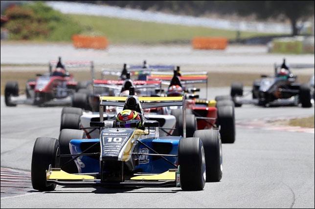 TRS: Лоусон выиграл субботнюю гонку