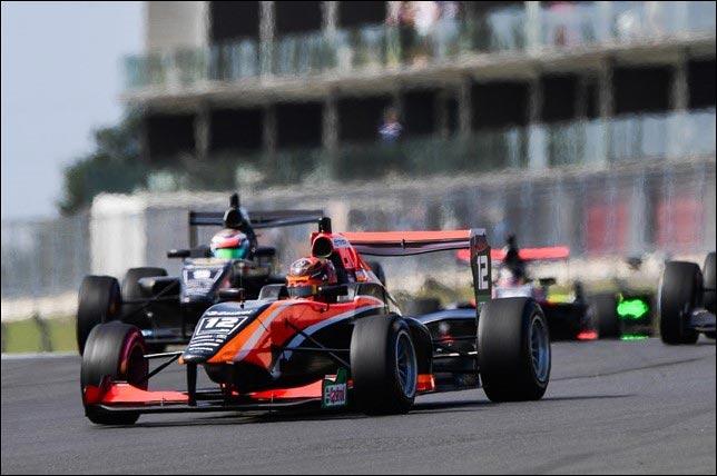 TRS: Артём Петров выиграл перенесённую гонку