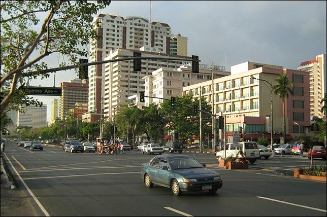 Манила. Бульвар Роксас. Фото: Mike Gonzalez