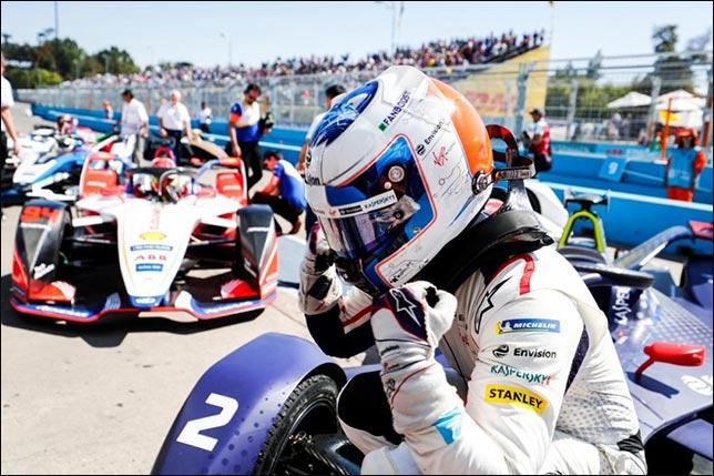 Видео: Лучшие моменты гонки Формулы Е в Сантьяго