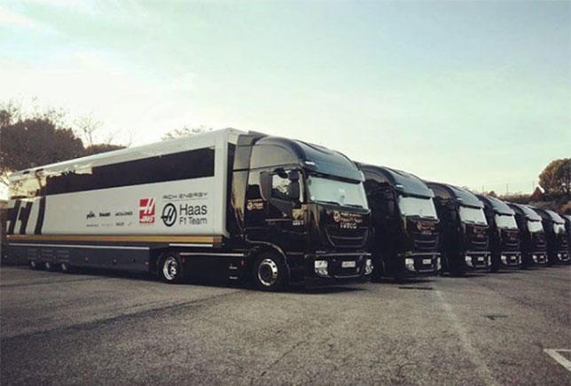 Трейлеры Haas F1 прибыли в Барселону