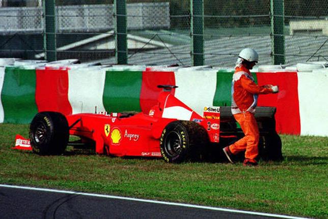 Сход Михаэля Шумахера на Гран При Японии 1998 года. Фото Ferrari