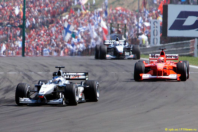 Мика Хаккинен, Михаэль Шумахер и Дэвид Култхард на Гран При Венгрии 2000 года