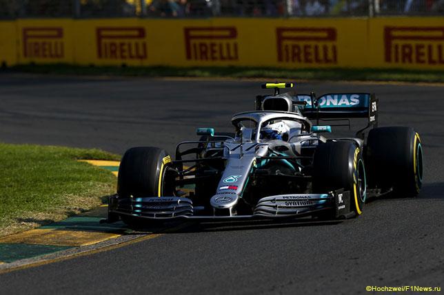 Валттери Боттас на трассе Гран При Австралии за рулём Mercedes