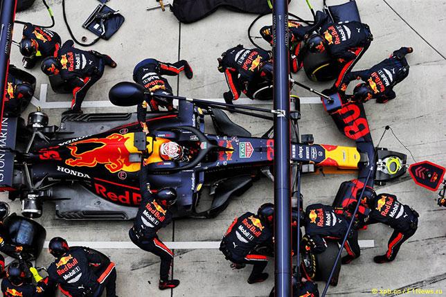 Пит-стоп команды Red Bull Racing в Шанхае