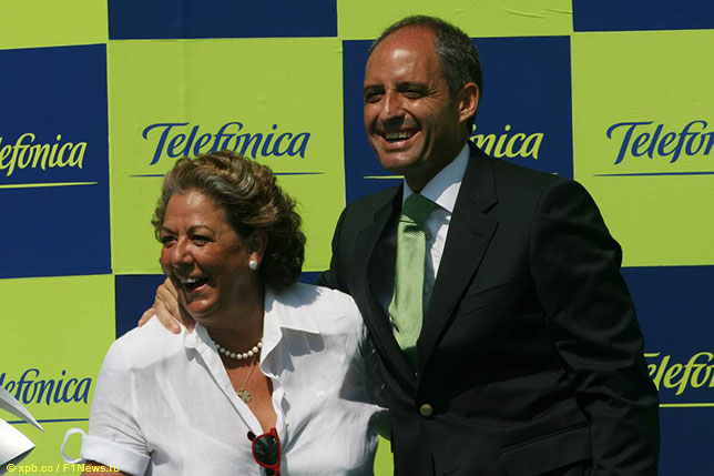 Франциско Кампс (справа) и бывшая мэр Валенсии Рита Барбера на подиме Гран При Европы, 2008 год
