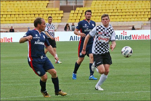 Макс Ферстаппен на футбольном матче в Монако