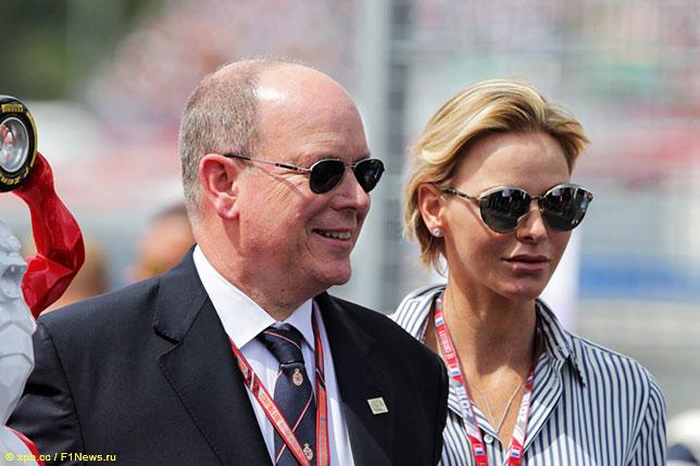 Княгиня Шарлен и Князь Альбер на прошлогоднем Гран При Франции в Ле-Кастелле