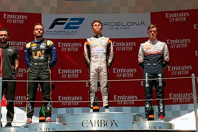 Ф2: Ник де Вриз выиграл спринт в Барселоне