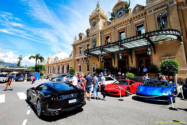Знаменитое казино в Монако