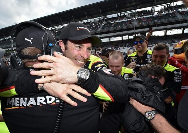 Indy 500: Поул выиграл Симон Пажено