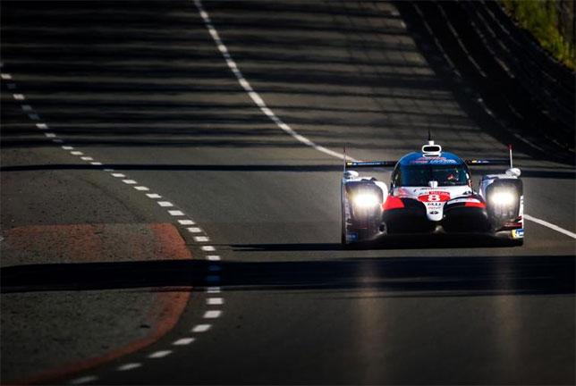 Спортпрототип Toyota №8, на котором выступают Себастьен Буэми, Фернандо Алонсо и Казуки Накаджима, фото пресс-службы гонки