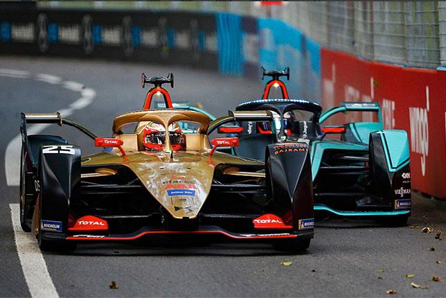 Формула E: Гонку в Берне выиграл Жан-Эрик Вернь
