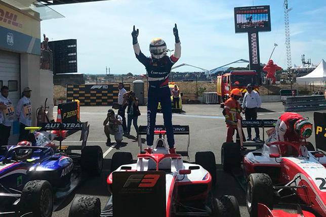 Ф3: Шварцман выиграл воскресную гонку во Франции