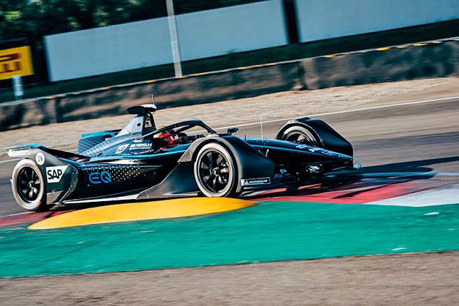 Формула E: В Mercedes испытали собственное шасси