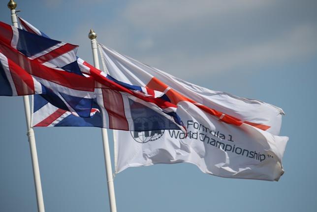 Флаги Великобритании и Формулы 1