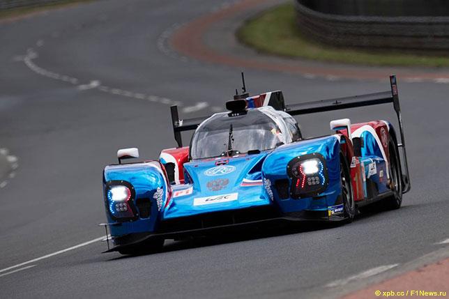 Спортпрототип BR01 российской команды SMP Racing на трассе в Ле-Мане