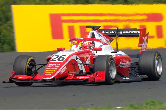 Ф3: Армстронг выиграл воскресную гонку в Венгрии