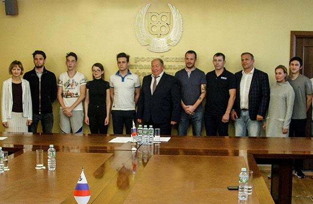 Президент РАФ встретился со сборной страны по автоспорту