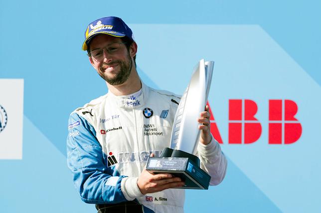 Формула E: В BMW продлили контракт с Симсом