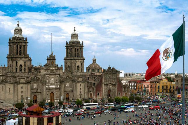 Кафедральный собор в Мехико, построенный на руинах главного храма ацтеков