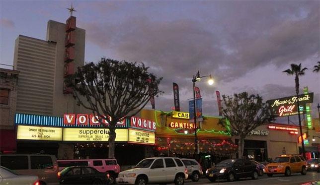 Голливудский бульвар вечером