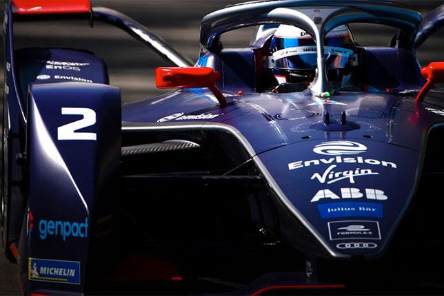 Сэм Бёрд за рулём машины Virgin Racing на трассе в Саудовской Аравии