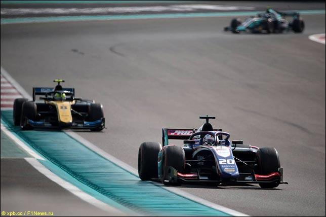 Список участников тестов Формулы 2 в Абу-Даби